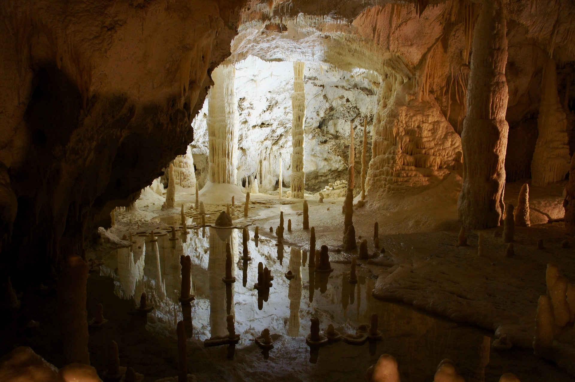 Grotten van Frasassi in Le Marche