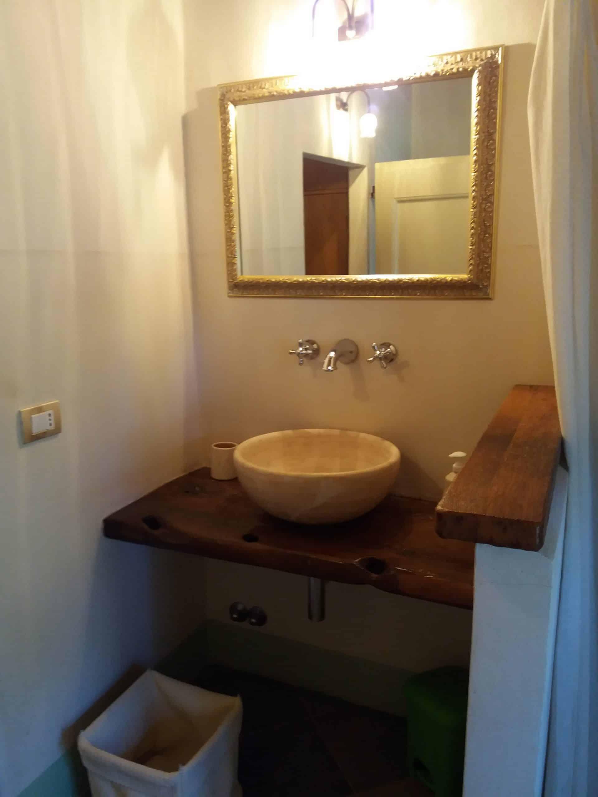 Badkamer appartement Vellaneta